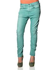 Skinny jeans og slim-fit